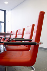 Ledersessel in einem Konferenzraum