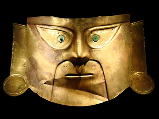 Peruvian culture - Golden Mask