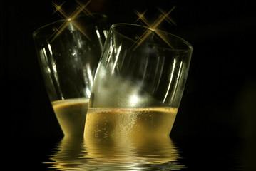 Champagne frais dans la nuit