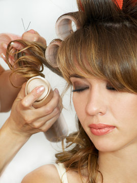 making evening woman coiffure