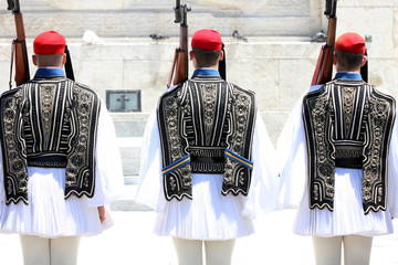 Fotorolgordijn Athene Ceremonial changing guards in Athens, Greece