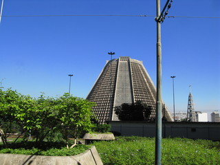 Cathédrale moderne en béton, Rio de Janeiro, Brésil.