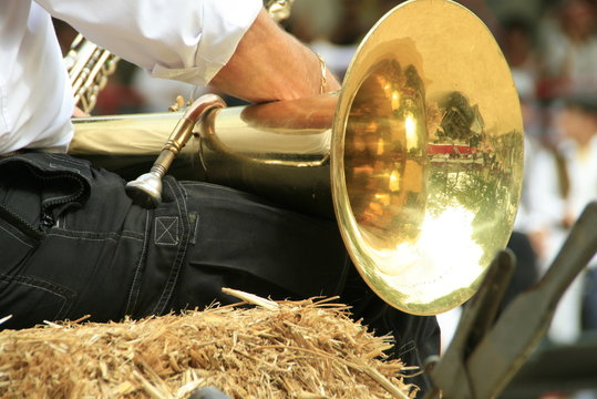 Trombone sur les genoux