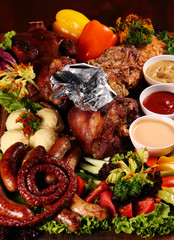 Grilled mix meat with sausage and vegetable