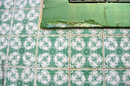 Bord de fen tre caill carreaux de c ramique verte for Fenetre 6 carreaux