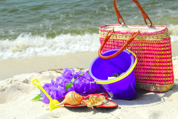 Pretty collection of beach accesories by shore