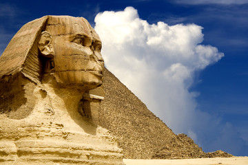 In de dag Egypte The Sphinx and the Great Pyramid, Egypt.