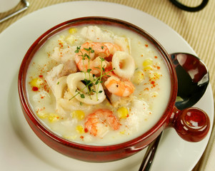 Delicious thick and creamy seafood chowder with seafood.