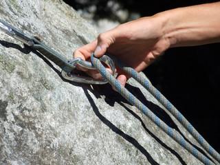 Foto op Aluminium Alpinisme Kletterkarabiner