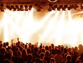 Konzertpublikum und Lichttechnik