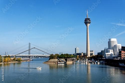 Skyline D Sseldorf Stockfotos Und Lizenzfreie Bilder Auf