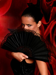 spanish woman with black lacy fan