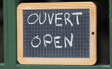 Open,ouvert,geöffnet