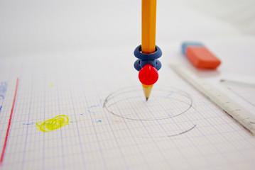 pointe de crayon  sur papier