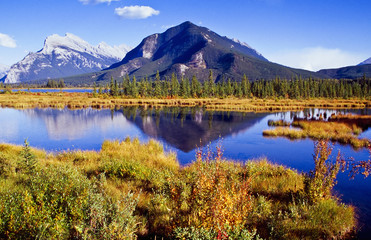 Foto op Canvas Reflectie Vermillion Lakes in Banff nationalpark