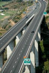 Autobahnbrücke in Ligurien