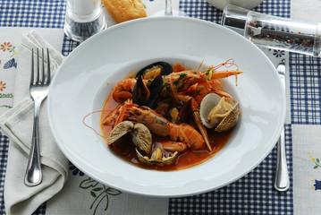 Busara di scampi e frutti di mare - Secondi - Istria in cucina