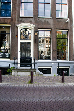 the otto frank house anne frank hid from nazis amsterdam