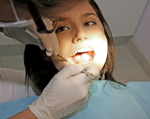 Beim Zahnarzt 06
