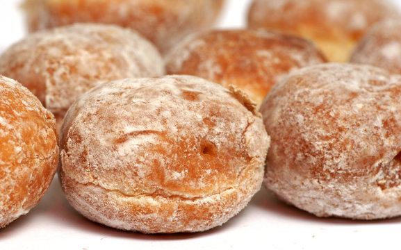 mini beignets aux pommes et au sucre glace