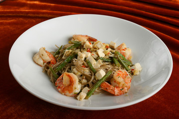 Paste with shrimps, an asparagus and cheese.