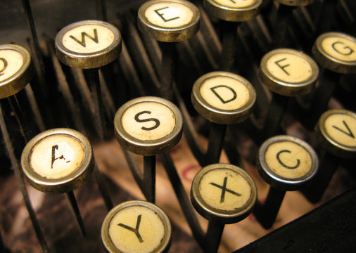 Typewriter keys keytops old style