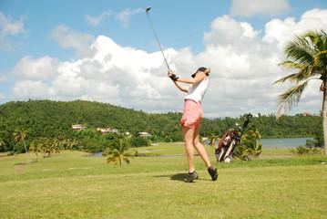Swing  d'une joueuse de golf
