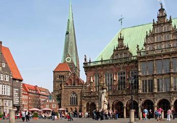 Rathaus am Marktplatz Bremen mit Kirche Unser Lieben Frauen