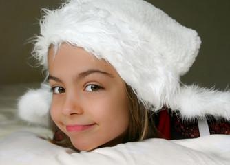 petit ange souriant et gracieux