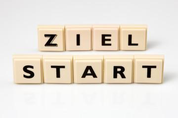 Buchstaben Start und Ziel als Symbol Planung