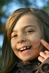 petite fille riant
