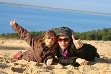 pouces levés sur la dune du Pilat