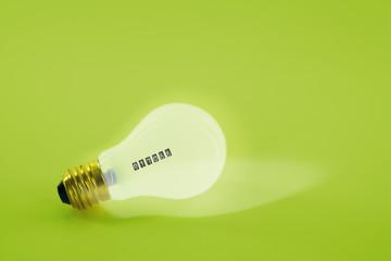 Glühbirne mit Kwh Stromzähler