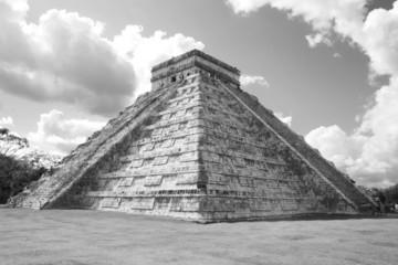 pyramid of ancient chichen itza in Mexico