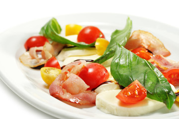Salad with Cherry Tomato and Buffalo Cheese
