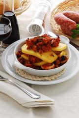 Polenta salsiccia e funghi - Secondi di carne - Lombardia