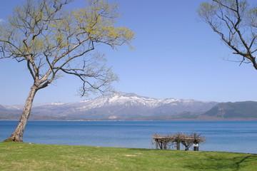 田沢湖と秋田駒ケ岳