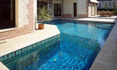 piscine de maison de ville