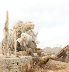 Autocollant pour porte Vieux rose Blast in open cast mining quarry