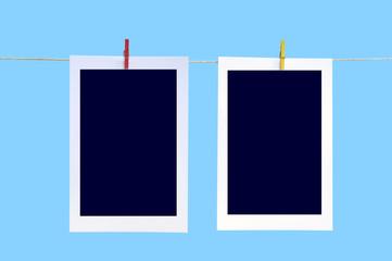Fotos aufgehängt an einer Wäscheleine