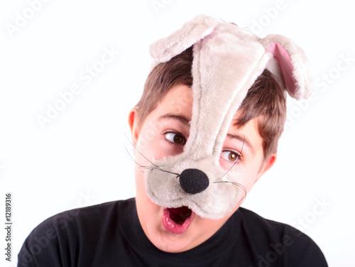 Мальчик в маске кота