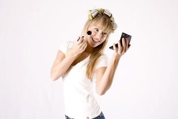 junge Frau beim schminken