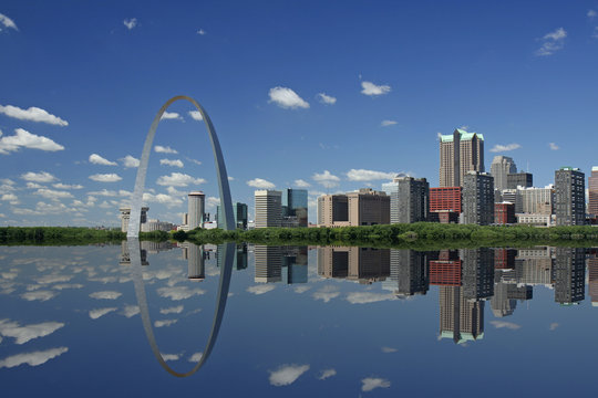 Gateway Arch and reflection in St Louis