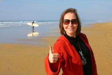 femme ok sur la plage