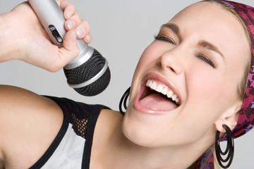 Singing Blond