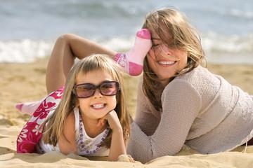 bonheur familial sur la plage