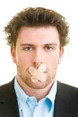 Pflaster auf dem Mund