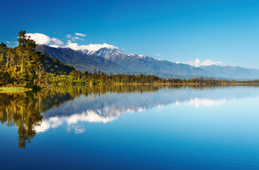 Fototapete - Beautiful lake, New Zealand