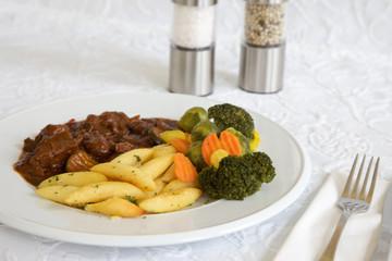 Gulasch mit Gemüse