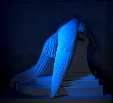 Weeping Angel side view